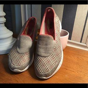 Skechers GO WALK tan/ pink combo size 9